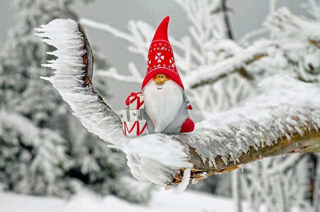 Da Primaland trovi un Babbo Natale per ogni esigenza di allestimnto natalizio per attività commerciali